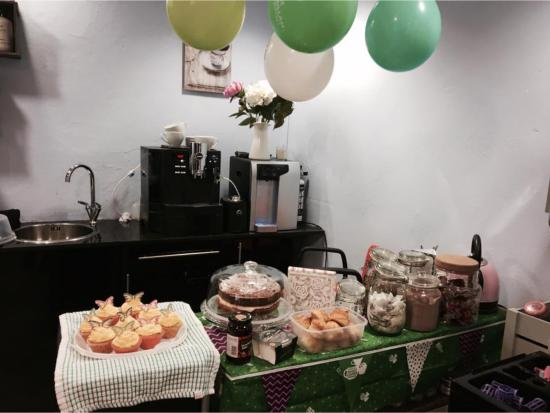 macmillan-coffee-morning-at-kalypsos